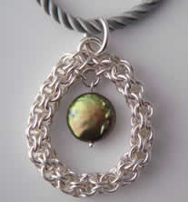 Open Chain Mail Pearl Pendant