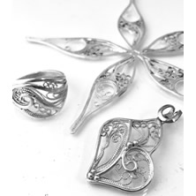 Learn to make filigree jewelry with Jennifer Stenhouse